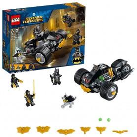 BATMAN: EL ATAQUE DE LOS TALONS LEGO 76110